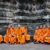 Budhistickí mnísi v chrámovom komplexe Angkor Wat - Kambodža