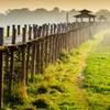 Východ slnka nad mostom U-Bein - Mjanmarsko