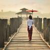 Mjanmarská žena na moste U-Bein - Mjanmarsko