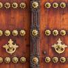 Bohato zdobené dvere a portály