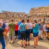 Návštevníci Kolosea