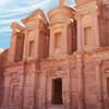 Zachovaný chrám v kamennom meste